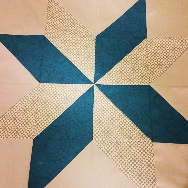 For @metroquilter! The first  #BeeEuropa block of the year. :) (Filter just to show the fabrics, I need a better lightbulb in my sewing room for sure!)